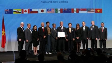 Việt Nam chính thức ký kết Hiệp định đối tác xuyên Thái Bình Dương (TPP): Cơ hội cho doanh nghiệp đầu tư nước ngoài và khả năng nào cho doanh nghiệp Việt Nam? (04/02/2016)