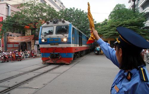 Thời sự chiều ngày 16/7/2014: Thanh tra Chính phủ sẽ tiến hành thanh tra Tổng công ty đường sắt Việt Nam và dự án đường ống nước sông Đà, Hà Nội
