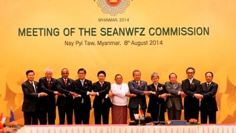 Thời sự trưa ngày 10/8/2014: Hội nghị Bộ trưởng Ngoại giao ASEAN lần thứ 47 ra thông cáo chung khẳng định, ASEAN củng cố đoàn kết và thống nhất lập trường tất cả các vấn đề liên quan nội khối và khu vực