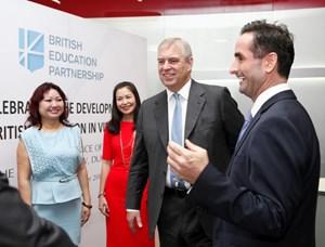 Bạn bè với Việt Nam ngày 13/10/2014: Hợp tác giáo dục Việt Nam - Vương quốc Anh