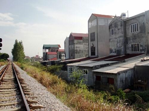 Chính phủ với người dân ngày 24/6/2014: Chính phủ phê duyệt kế hoạch lập lại trật tự hành lang an toàn đường bộ, đường sắt giai đoạn 2014-2020