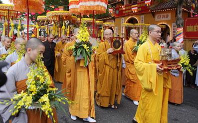 Đời sống tôn giáo ngày 18/7/2014: Những hoạt động phật sự của Thành hội Phật giáo Hà Nội 6 tháng qua.