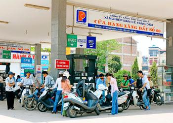 Theo dòng thời sự ngày 21/10/2014: Cần làm gì để có thị trường xăng dầu ở Việt Nam