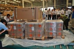 Sung công quỹ 144 nghìn viên đạn nhập khẩu trái phép qua sân bay Tân Sơn Nhất, thành phố Hồ Chí Minh (Thời sự sáng 20/10/2015)
