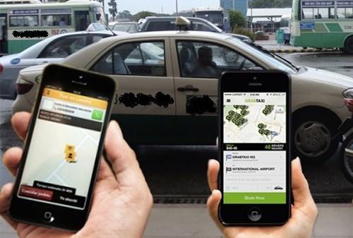 Hiệp hội vận tải Hà Nội kiến nghị dừng hoạt động taxi Uber và Grap do sử dụng xe không biển hiệu, logo và tem (Thời sự sáng 25/10/2015)