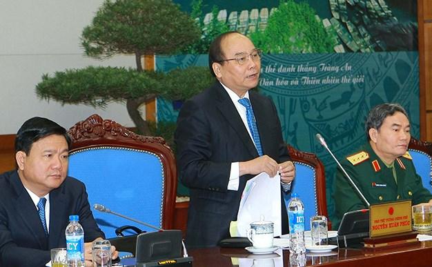 Phó Thủ tướng Nguyễn Xuân Phúc khẳng định: Địa phương nào để xảy ra tai nạn giao thông nhiều thì người đứng đầu địa phương đó phải chịu trách nhiệm trước Đảng, Nhà nước và nhân dân. (Thời sự sáng 31/10/2015)