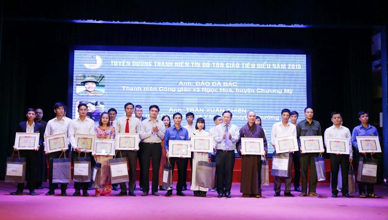 Thanh niên tín đồ Tôn giáo Hà Nội hoạt động vì an sinh xã hội.(03/12/2015)