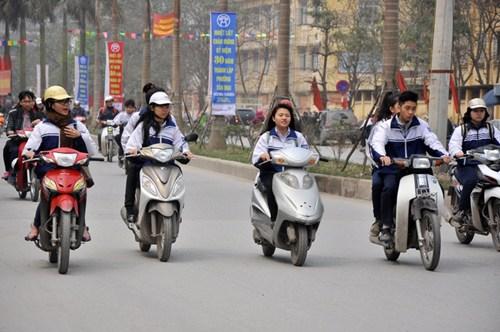Thời sự sáng ngày 2/2/2015:  Bộ Giáo dục và đào tạo cho biết sẽ xử lý nghiêm khắc học sinh vi phạm luật giao thông trong dịp nghỉ Tết Nguyên đán sắp tới