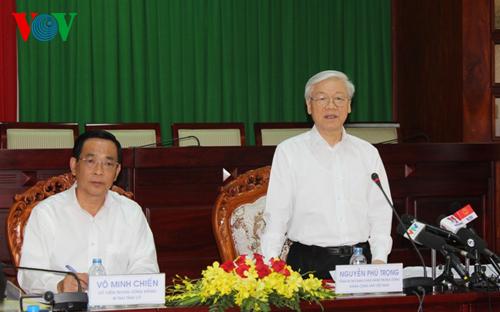 Thời sự chiều ngày 10/03/2015: Tổng Bí thư Nguyễn Phú Trọng làm việc với lãnh đạo chủ chốt tỉnh Sóc Trăng về nhiệm vụ phát triển kinh tế - xã hội và công tác chuẩn bị đại hội đảng bộ các cấp, tiến tới Đại hội 12 của Đảng.
