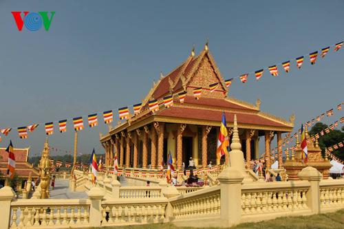 Đời sống tôn giáo ngày 13/03/2015: Chùa trong đời sống văn hóa người Khơ me Nam bộ.