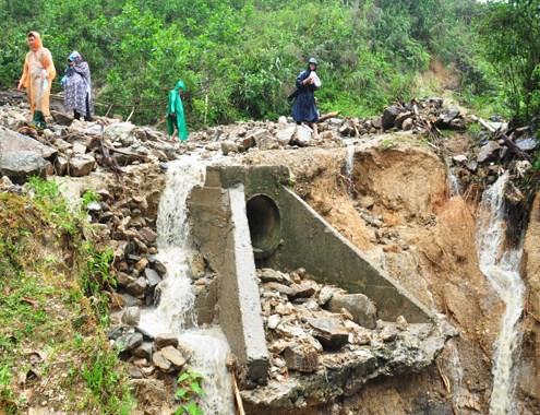 Thời sự sáng ngày 29/3/2015: Lũ bất thường tại Quảng Ngãi và Quảng Nam kheiens 3 người chết, gây thiệt hại ít nhất 240 tỷ đồng