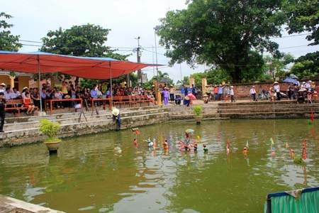 Tầm nhìn UNESCO ngày 18/4/2015: Nghệ thuật múa rối nước thôn Bồ Dương, xã Hồng Phong, huyện Ninh Giang, Hải Dương.