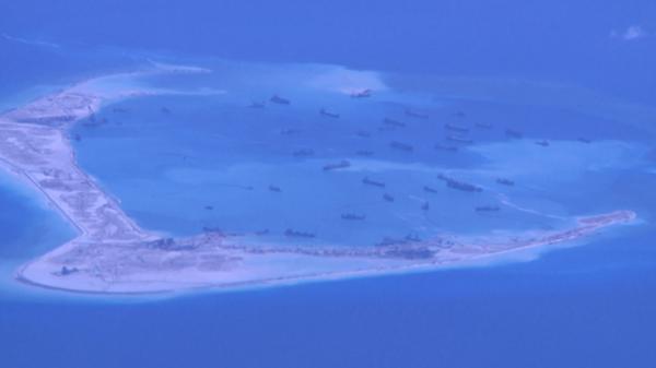 Biển đảo Việt Nam ngày 24/5/2015: Trung Quốc vi phạm DOC - việc xây đảo nhân tạo ở Trường Sa của Trung Quốc không thể nới rộng chủ quyền.