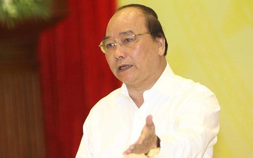 Thời sự trưa ngày 29/5/2015: Phó Thủ tướng Nguyễn Xuân Phúc yêu cầu làm rõ thông tin 3.000 thiểu niên Việt Nam sang Anh bằng con đường nhập cảnh trái phép và bị sử dụng vào các hoạt động phạm pháp.