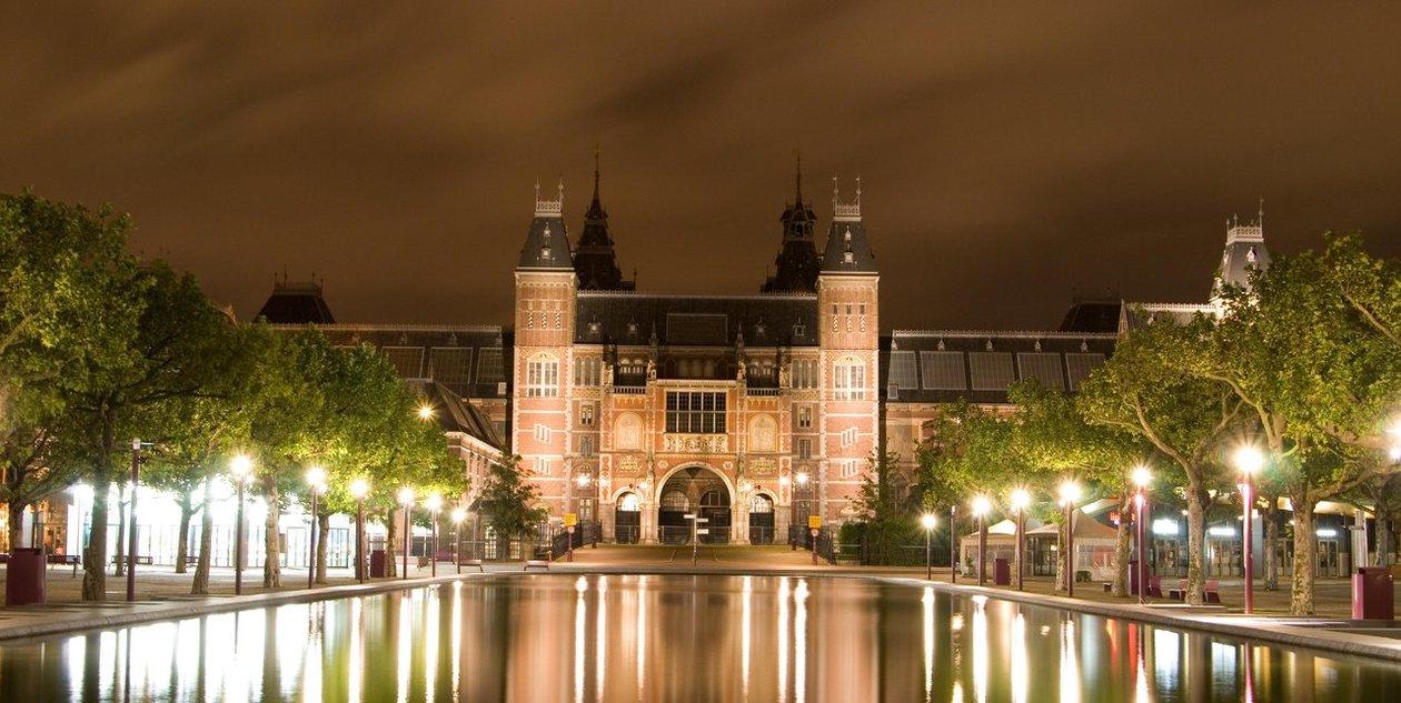 Tầm nhìn UNESCO ngày 30/5/2015: Bảo tàng Rijksmuseum - bảo tàng châu Âu năm 2015.