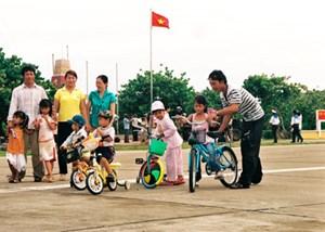 Ngày gia đình ở Trường Sa (Tâm tình biên giới hải đảo ngày 27/6/2015)