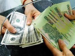 Thời sự trưa ngày 15/8/2015: Thị trường ngoại tệ đã có xu hướng ổn định trở lại, tỷ giá USD/VND trên thị trường liên ngân hàng đã giảm thấp hơn so với mức trần