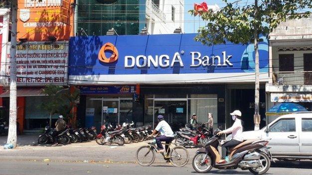 Thời sự sáng ngày 16/8/2015: Ngân hàng Nhà nước khẳng định: Ngân hàng Đông Á vẫn hoàn toàn đủ khả năng đảm bảo chi trả đầy đủ mọi khoản tiền gửi, vàng giữ hộ của khách hàng
