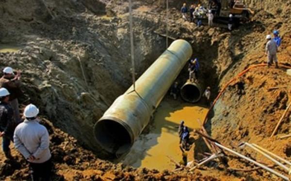 Trước sự cố vỡ liên tục đường ống nước Sông Đà, UBND thành phố Hà Nội  phê duyệt chủ trương xây dựng khẩn cấp thêm đường ống dẫn nước sông Đà và sẽ hoàn thành trong vòng 90 ngày