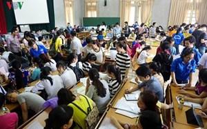 Bộ trưởng Bộ Giáo dục và Đào tạo Phạm Vũ Luận nhận trách nhiệm trước xã hội về những vấn đề vướng mắc nảy sinh trong quá trình xét tuyển đại học, cao đẳng năm nay