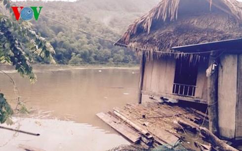 Thời sự trưa ngày 05/8/2015: Gần 1.700 người dân ở 3 bản tại tỉnh Thanh Hóa bị cô lập do nước lũ chia cắt