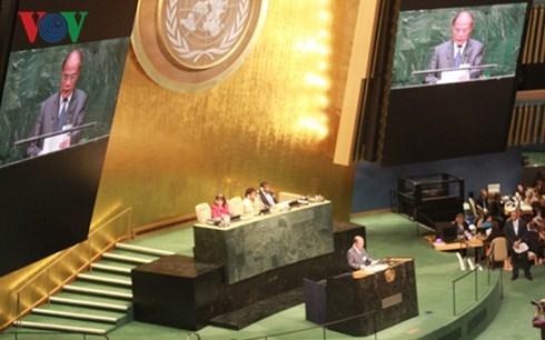 Chủ tịch Quốc hội Nguyễn Sinh Hùng dự phiên khai mạc Hội nghị các Chủ tịch Quốc hội trên thế giới lần thứ tư tại Mỹ