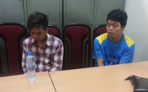 Công an Hà Nội bắt 2 nghi phạm là sinh viên tạt axít vào một sinh viên trường Đại học sân khấu Điện ảnh vì mâu thuẫn tình cảm