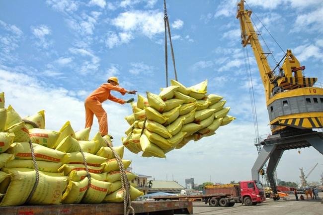 8 tháng qua, giá trị xuất khẩu hàng hóa của cả nước đạt hơn 106 tỷ USD.