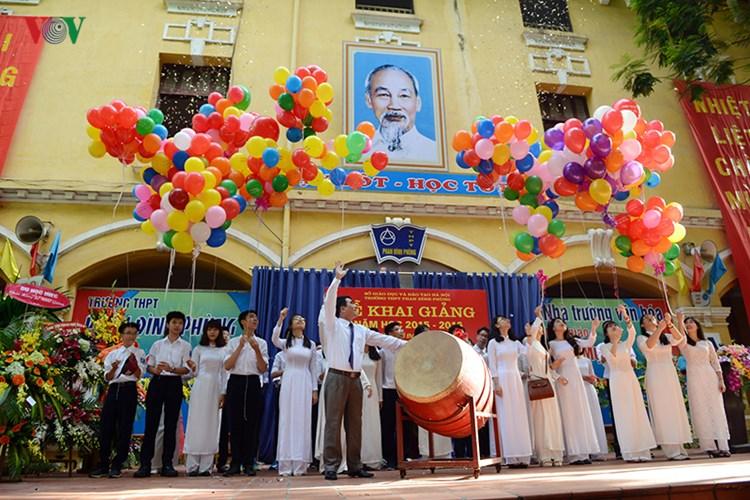 Sở giáo dục đào tào thành phố Hà Nội yêu cầu các trường công khai 10 khoản thu chi trong năm học mới.