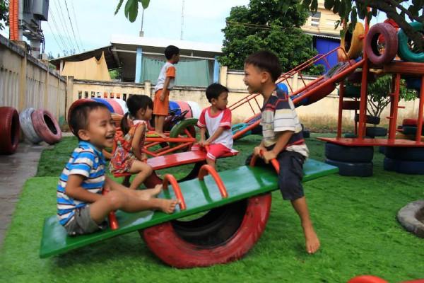 Sân chơi trẻ em - Cần sự chung tay của toàn xã hội (1/6/2016)