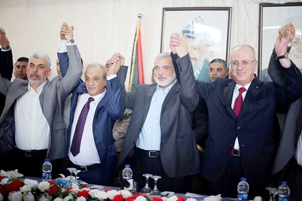 Thỏa thuận hòa giải chính trị giữa Hamas và Phata, chấm dứt cuộc tranh chấp kéo dài một thập kỷ ở Palestine (17/10/2017)