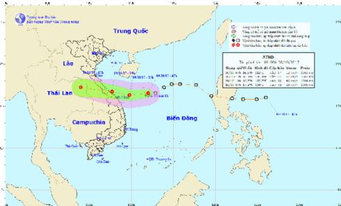 Áp thấp nhiệt đới đang tiến gần khu vực từ Quảng Bình đến Đà Nẵng, dự báo chiều tối nay sẽ đổ bộ vào khu vực này và gây mưa lớn trên diện rộng (Thời sự trưa 9/10/2017)