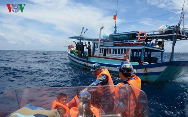 Vùng Cảnh sát biển 4 tuyên truyền và thực thi pháp luật ở vùng biển Tây Nam (20/10/2017)