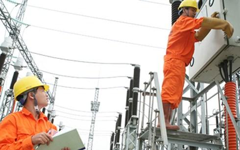 Tại buổi họp báo chiều nay, đại diện Bộ Công thương khẳng định: Việc điều chỉnh giá bán lẻ điện bình quân tăng 6,08% đã được tính toán, cân nhắc kỹ, nên sẽ hạn chế tối đa tác động đến đời sống của người dân và hoạt động sản xuất kinh doanh (Thời sự chiều 1/12/2017)