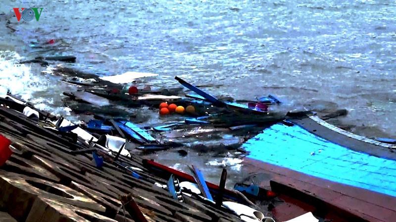 Bão số 2 gây thiệt hại nghiêm trọng cho các tỉnh miền Trung: Thủ tướng có công điện yêu cầu các địa phương khẩn trương khắc phục hậu quả cơn bão số 2 (Thời sự chiều 17/7/2017)
