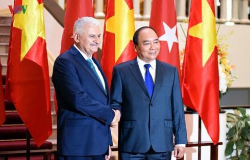 Thủ tướng Nguyễn Xuân Phúc và Thủ tướng Thổ Nhĩ Kỳ Binali Yildirim dự diễn đàn doanh nghiệp Việt Nam - Thổ Nhĩ Kỳ (Thời sự trưa 24/8/2017)