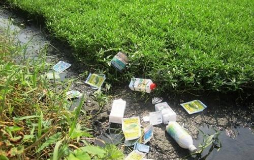 Đừng để đồng ruộng bội thực thuốc bảo vệ thực vật (15/9/2017)