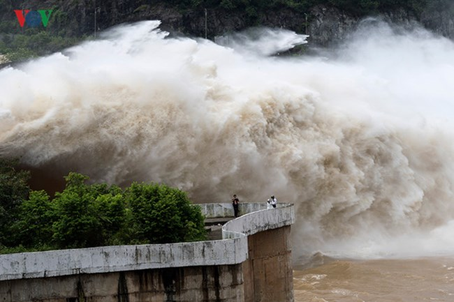 Quản lý an toàn hồ đập trong mùa mưa bão (3/9/2017)