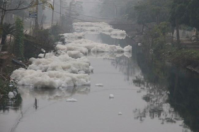 Tình trạng ô nhiễm sông ở Duy Tiên, Hà Nam (4/1/2017)