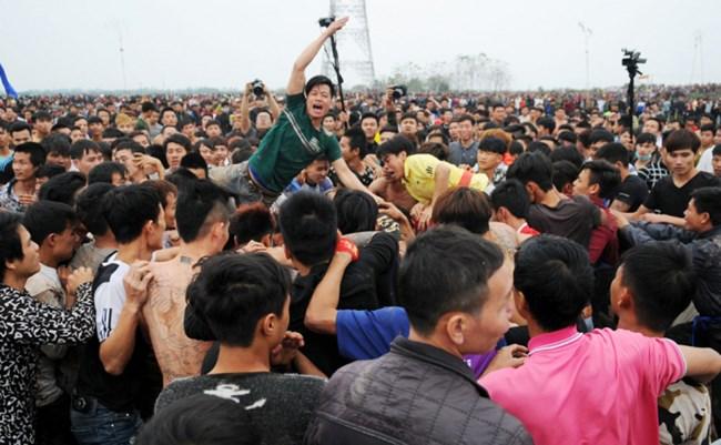 Bộ Văn hóa, Thể thao và Du lịch yêu cầu các địa phương không cấp phép tổ chức lễ hội có nội dung kích động bạo lực (Thời sự chiều 20/1/2018)