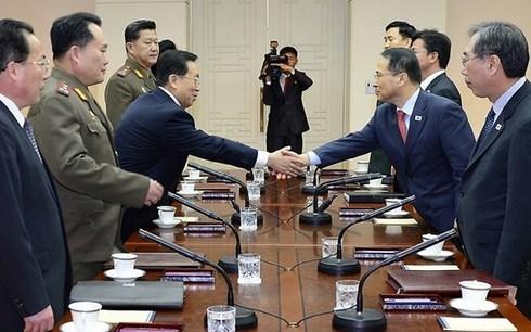 Nhà lãnh đạo Triều Tiên Kim Jong-un đề nghị đàm phán với Hàn Quốc và cử vận động viên tham dự Thế vận hội Mùa đông khai mạc vào tháng 2 tại Hàn Quốc (2/1/2018)