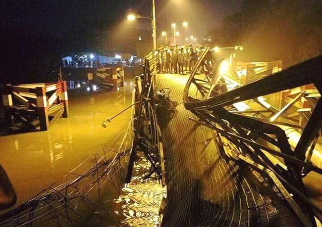 Nguyên nhân dẫn đến sập cầu Long Kiểng khiến ô tô và xe máy rơi xuống sông vào đêm qua là do tài xế xe tải chở quá tải trọng cho phép qua cầu (Thời sự trưa 20/1/2018)