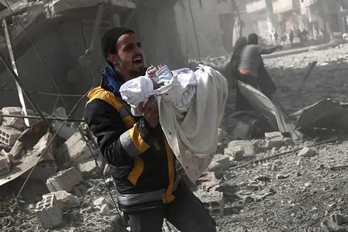 Hội đồng Bảo an Liên hợp quốc kêu gọi lệnh ngừng bắn ở Đông Ghouta của Syria khi khoảng 400.000 người dân ở đây đang phải hứng chịu
