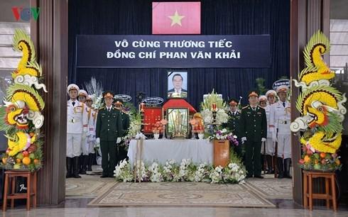 Sáng nay Lễ viếng cố Thủ tướng Phan Văn Khải bắt đầu được tổ chức trọng thể tại thành phố Hồ Chí Minh và kéo dài đến hết ngày mai (20/3/2018)