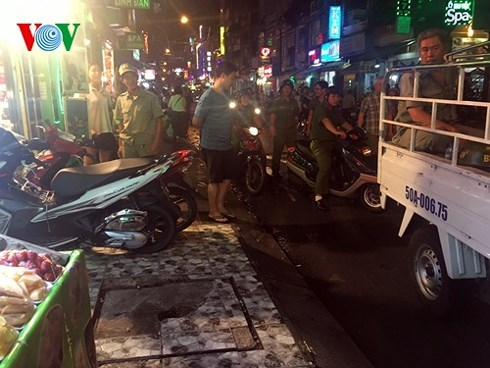 Thành phố Hồ Chí Minh: Cuộc chiến lập lại trật tự vỉa hè cần kiên quyết và bền bỉ (5/3/2018)