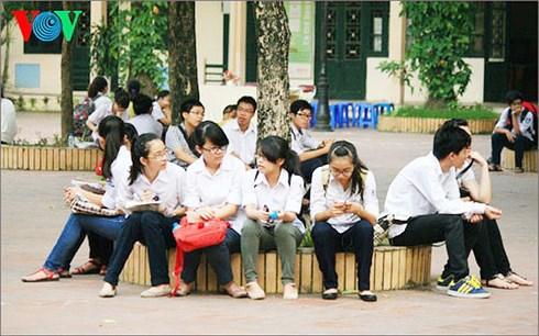 Sở giáo dục và đào tạo thành phố Hà Nội công bố cách thức tuyển sinh lớp 10 năm học 2019 - 2020 theo hướng tổ hợp 6 môn thi: Hình thức này liệu có tạo nên áp lực quá lớn cho học sinh? (11/4/2018)