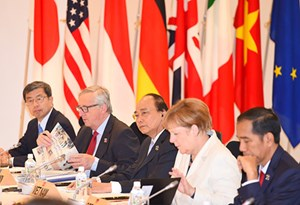 Hôm nay, Hội nghị Thượng đỉnh G7 mở rộng chính thức khai mạc tại Canada. Đoàn đại biểu cấp cao Việt Nam do Thủ tướng Nguyễn Xuân Phúc dẫn đầu tham dự Hội nghị với nhiều nội dung quan trọng (Thời sự sáng 8/6/2018)