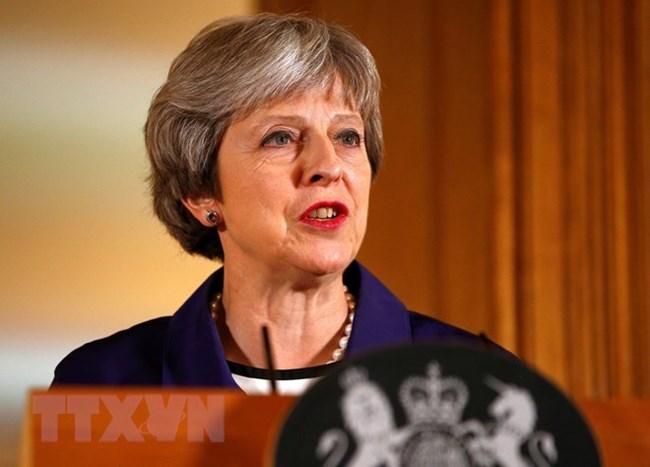 Thế khó của Thủ tướng Anh trước cơn bão Brexit (13/7/2018)