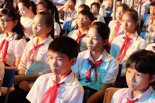 Đà Nẵng: Chung tay hỗ trợ học sinh nghèo đến trường (14/8/2018)