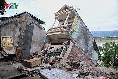 Vì sao xảy ra sạt lở đất nghiêm trọng tại Hòa Bình? (3/8/2018)